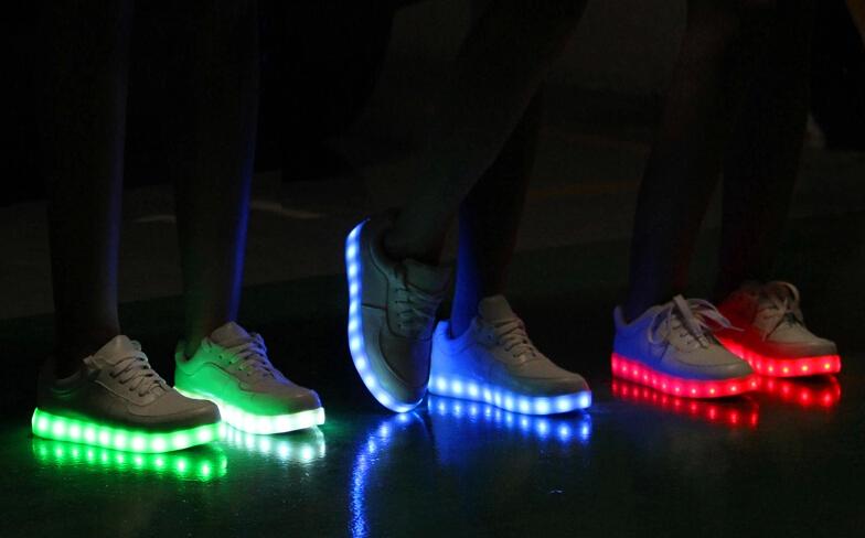 Sneakers Met Licht : Licht schoenen kopen lichtgevende ledschoenen