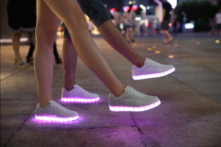 Sneakers Met Licht : Schoenen met lichtjes kopen lichtgevende ledschoenen